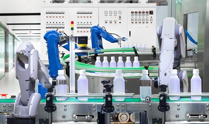 Ứng dụng tiêu biểu và phổ biến của robot công nghiệp trong ngành sản xuất nhựa
